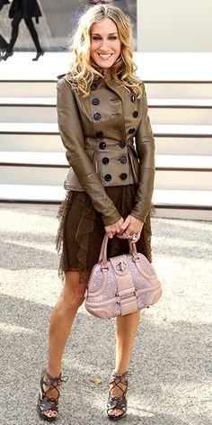 Sarah Jessica Parker with Alexander McQueen bag