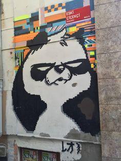 Street Art in İstanbul, from Leo Lunatic