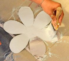 Tin Flowers {Hello Summer} I Heart Nap Time | I Heart Nap Time - Easy recipes, DIY crafts, Homemaking
