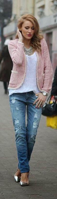 STREET STYLE | Pink #Chanel inspired blazer with blue jeans and metallic silver pumps | La Beℓℓe ℳystère