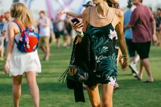 Coachella Style: 74 More Festival Pics From the Desert Music Festival Fashion, Festival Wear, Festival Style, Coachella 2014, Coachella Style, Turn Blue, Cultura Pop, Summer Wear, Bohemian Style