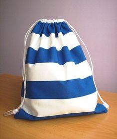 Una mochila muy marinera | Las cosinas de Laura Backpack Bags, Drawstring Backpack, Tote Bag, String Bag, Handmade Bags, My Bags, Charity, Sewing Patterns, Backpacks