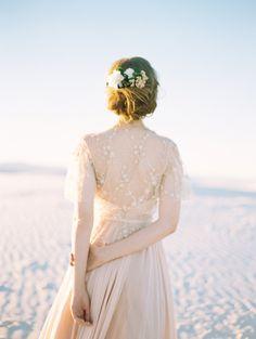 Bridal inspiration like you wouldn't believe: http://www.stylemepretty.com/2015/05/19/windswept-wedding-inspiration/ | Photography: Brumley & Wells - http://brumleyandwells.com/
