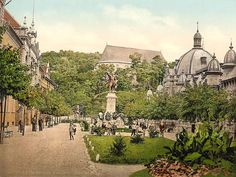 Kossuth Statue in Miskolc - old postcard from the USA National Library Austro Hungarian, Central Europe, Budapest Hungary, Old Postcards, Paris Skyline, Taj Mahal, Dolores Park, Washington, Journey