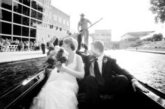 The newlyweds are carried off down the Canal in a gondola - Old World Gondoliers Photo: Dan Brand #Gondola