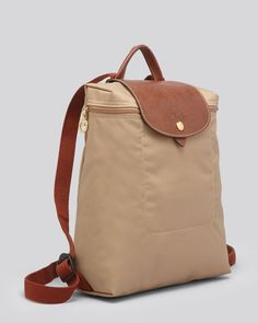 Longchamp bags 2017 fashion style,shop our new collection.This offer is subject to availability! Click me! Backpack Outfit, Fashion Backpack, Longchamp Backpack, Bags 2017, Backpack Online, Linen Bag, Purse Styles, Backpack Handbags, Purses