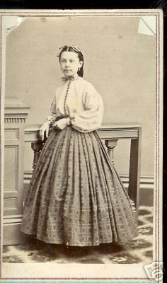skirt and blouse Old Photos, Vintage Photos, American Civil War, Historical Photos, 19th Century, Journals, Period, Girl Outfits, Mary