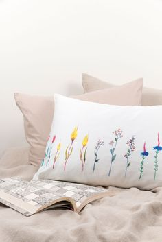 ZigZagZurich makes luxury bedding, duvet covers, curtains, throws and blankets, designed by artists using the finest quality materials made in Italy Luxury Bedding, Duvet Covers, Bed Pillows, Bedroom Ideas, Pillow Cases, Textiles, Blanket, Artist, Design
