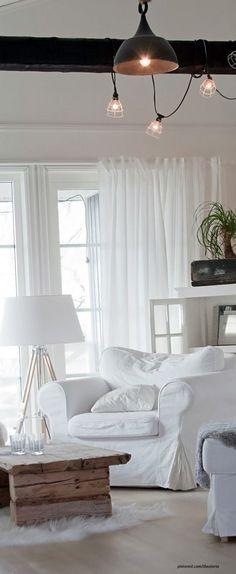 Beautiful Beach Homes Ideas & Examples: Living Room Ideas