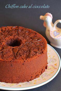 il profumo dei tarocchi: CHIFFON CAKE AL CIOCCOLATO (Fluffosa al cioccolato delle Bloggalline)