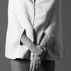 minimal fashion details // Thatiane Marcinelli at Fashion Feud Minimal Outfit, Minimal Fashion, Cape Jacket, Deconstruction, Minimalist Style, Contemporary Fashion, Fashion Details, Fashion Brand, Minimalism