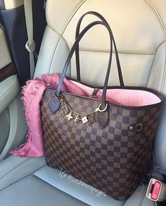 louis vuitton handbags at tk maxx Louis Vuitton Purses, Sac Speedy Louis Vuitton, Vuitton Bag, Fall Handbags, Chanel Handbags, Fashion Handbags, Purses And Handbags, Fashion Bags, Designer Handbags