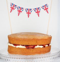 Made With Pink: A Royal Wedding Victoria Sponge Cake Victoria Sponge Recipe, Victoria Sponge Cake, Union Jack Cake, Pink Champagne Cake, 4th Birthday Cakes, Cake Bunting, Pink Food Coloring, Queen Birthday, Sponge Cake Recipes