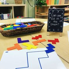 """The Reggio-style of teaching has truly captivated my heart. Over the past year I have tried to implement many """"Reggio"""" methods into my teaching style while teaching in a """"traditi… Kindergarten Activities, Activities For Kids, 1st Grade Centers, First Grade Lessons, Steam Education, Inquiry Based Learning, School Sets, Learning Through Play, Reggio"""