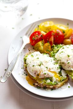 Simple Poached Egg and Avocado Toast - this creamy, filling, real food breakfast takes less than 10 minutes to prep!   pinchofyum.com