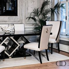 Dorya's Diamond Dining Table and Diamond Dining Chairs #Dorya #DoryaInteriors #DoryaHome #InteriorDesign #Home #HomeDecor #HomeFashion #Luxury #LuxuryLifestyle #Trend #Trending
