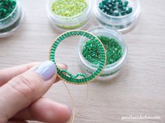 Mandala circle pendant in brick stitch weaving in Miyuki pearls from Petit bout de cabou Beaded Earrings, Beaded Bracelets, Small Scissors, Small Rings, Glass Beads, Weaving, Shape, Projects, Crafts To Make