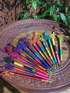 Silk pens. http://www.maroque.co.uk/showitem.aspx?id=ENT06282&p=00738