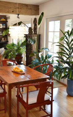 Basically get a bunch of plants :) Tree Interior, Asian Interior, Decor Interior Design, Interior Styling, Interior Decorating, Estilo Tropical, Tropical Style, Deco Boheme, Dining Room Bar