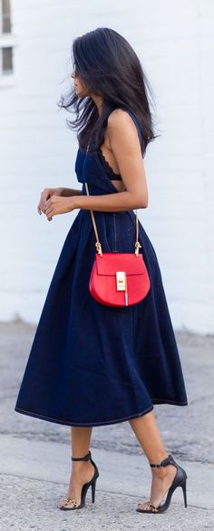 Denim midi dress with a colour pop of red for casual #street #style chic