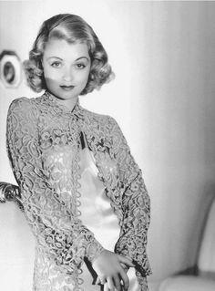 Constance Bennett, 1934