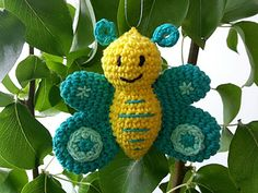 This is a great pattern for all your leftovers. You just need a small amount of yarn and you can make a lot of colorful, unique butterflies with it.