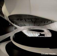 090715 ザハ・ハディドの新しいインスタレーションの画像:淵上正幸の日々建築漬け