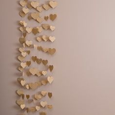 Heart-shaped garland in vintage style by Made In Heaven. Made of pages of old books, 100 cm long. Perfect for a vintage wedding, it can be the background of the photobooth, for example! Vintage Style, Vintage Fashion, Made In Heaven, Old Books, Photo Booth, Garland, Gold Necklace, Wedding Ideas, Heart