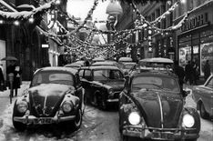 'Christmas Traffic Jam in Oslo', 1967 Photographer unknown Christmas Past, Christmas Photos, Vintage Christmas, Vw Beetles, Old Photos, 1960s, Monster Trucks, Black And White, History