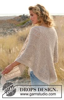 """Knitted DROPS shawl with long sts in """"Alpaca Bouclé"""". ~ DROPS Design free"""