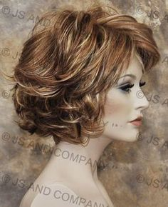 Classy N chic Everyday wig Multiple layers Blonde Brown mix wavy NLLO 12 613 Short Red Hair, Short Hair Cuts, Feathered Hairstyles, Wig Hairstyles, Medium Hair Styles, Curly Hair Styles, Red Ombre Hair, Red To Blonde, Beautiful Red Hair