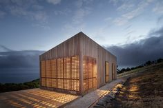 Gallery of Moonlight Cabin / Jackson Clements Burrows - 1