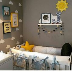 Muitas fofurinhas @pendurama no quarto do pequeno Joaquim 💙  Compre em www.pendurama.com.br  Quadros 'Hey Dog' (20x20), 'Little Man' e 'Lua (Ida e Volta) (25x25), 'Tudo tudo' (25x35), Placa Sol, Prateleira Nuvem, Letra Estampada (cor 10, estrelinhas), Cordão de Pompons e Adesivos Nuvens, você encontra tudo no site, #correnaloja