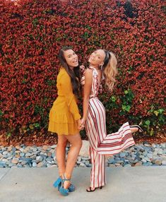 Best Friend Photos, Best Friend Goals, Girls Best Friend, Friend Pics, Cute Bff Pictures, Prom Pictures, Casual Fall Outfits, Fall Winter Outfits, Cute Outfits