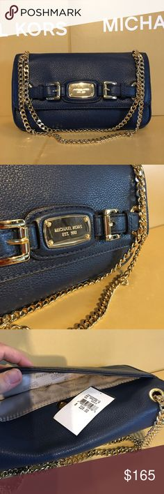 💙Michael Kors Crossbody 💙 NWT, Comes with MK gift box!Color navy blue 💙Luxury item👍🏼Great Christmas gift 😍😍😍 Michael Kors Bags Crossbody Bags