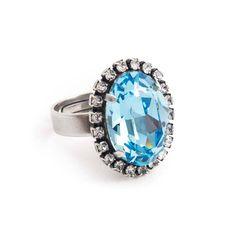 Koop deze fonkelende licht blauwe ring met Swarovski Elements kristal bij Aurora Patina, de leukste sieraden webshop van Nederland!