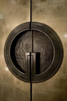 37 New Ideas For Main Door Handle Design Modern Simple Apartment Decor, Apartment Interior Design, Apartment Entry, Decorate Apartment, Apartment Ideas, Deco Pastel, Knobs And Knockers, Bronze, Main Door