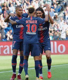 Mbappe, Cavani, and Neymar Ronaldo Football, Football Players, Messi, Real Madrid, Mbappe Psg, Paris Saint Germain Fc, Neymar Jr, Fc Barcelona, Manchester United