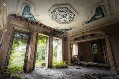 Room with a view   Sala com vista   Abandoned villa, Valongo…   Flickr - Photo Sharing!