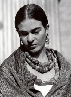 Edward Weston, Diego Rivera and Frida Kahlo, December 1930 Edward Weston, Diego Rivera, Selma Hayek, Famous Artists, Great Artists, Center For Creative Photography, Frida And Diego, Frida Art, Mexican Artists