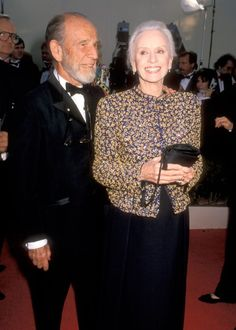 Driving Miss Daisy Star Jessica Tandy teamed a Giorgio Armani floral jacket with wide-legged black trousers in 1990 Christian Dior Gowns, Jessica Tandy, Louise Fletcher, Janet Gaynor, Driving Miss Daisy, Best Actress Oscar, Old Hollywood Stars, Classic Hollywood, Oscar Fashion