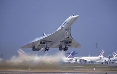"""Concorde: """"Heat Plume!""""  Concorde Engines: 4 Rolls-Royce/SNECMA Olympus 593's each producing 38,000lbs of thrust with reheat."""