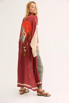 Mode Kimono, Kimono Top, Kimono Jacket, Kimono Fashion, Boho Fashion, Fashion Trends, Bleach Tie Dye, Bohemian Mode, New Outfits