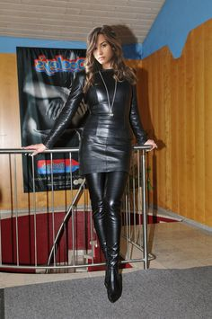 Leather skirt leather top thigh boots Leather Dresses, Leather Skirt, Leder Outfits, Sexy Latex, Hot Brunette, Leather Fashion, Elegant, Leather Boots, Crotch Boots