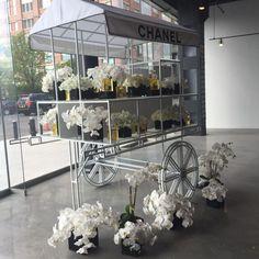 Картинки по запросу chanel flower cart design