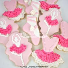 I still want a tutu so I can wear it while I bake, I think it will make me extra happy! Gourmet Cookies, Iced Cookies, Cute Cookies, Royal Icing Cookies, Cupcake Cookies, Cupcakes, Sugar Cookies, Ballerina Birthday Parties, Ballerina Party