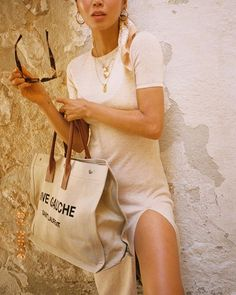 Matching with the backgrounds of Puglia in Aimee Song, Song Of Style, Brand Promotion, Young Designers, Influencer Marketing, Madewell, Vintage Outfits, Reusable Tote Bags, Vogue