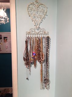 Was fed up of all my necklaces getting tangled. So got this bargain jewellery hanger from Amazon