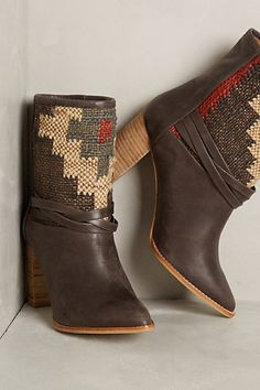Love these tapestry booties #anthrofave http://rstyle.me/n/spen5nyg6