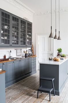 A Quick Guide on Kitchen Cabinets - CHECK PIC for Various Kitchen Ideas. 89239723 #kitchencabinets #kitchendesign